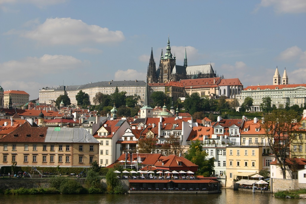 Prague Castle with the St. Vitus Cathedral (Prague, Czech Republic)